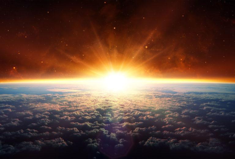 Рассвет в космосе